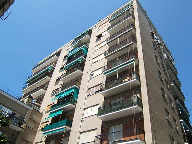 Prospetto edificio balconi dopo